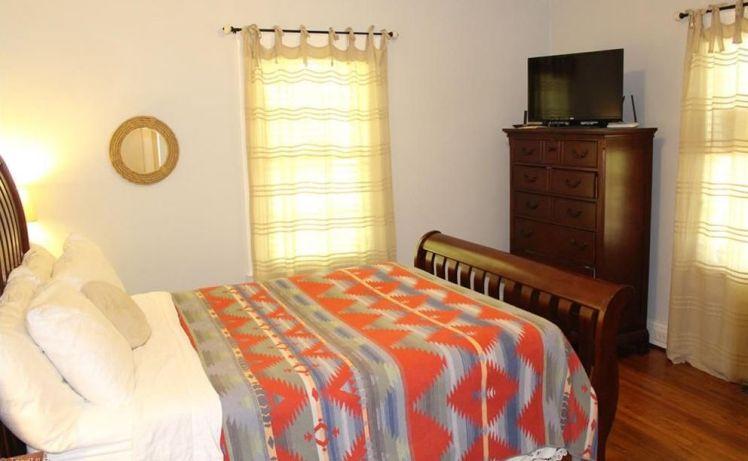 1003 pearson street bedroom.jpg