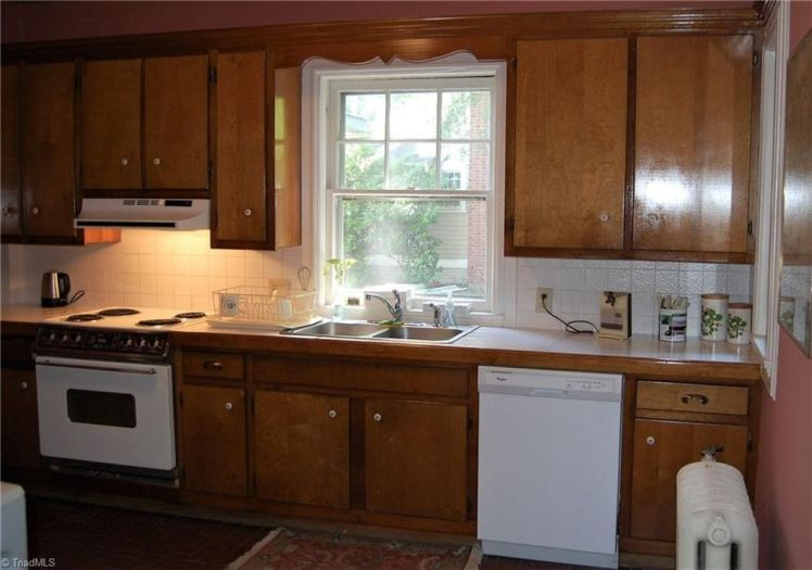 200 e. bessemer avenue kitchen.jpg