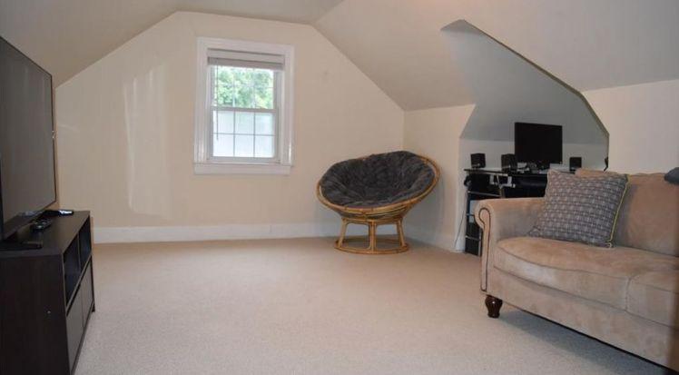 409 westdale place upstairs den.jpg