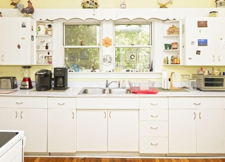 307 s. tremont drive kitchen.jpg