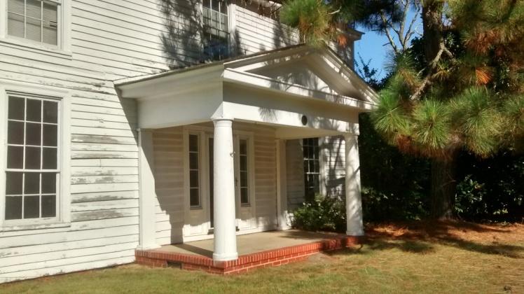 McLean house porch IMG_20171002_152632505_HDR.jpg