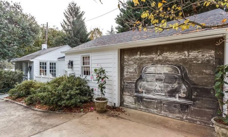 1915 granville road garage.jpg