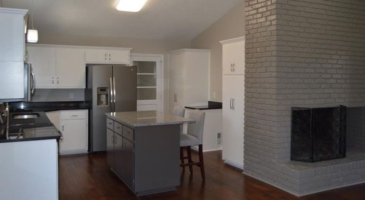 105 falkener drive kitchen.jpg