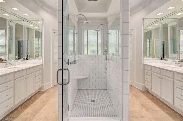 3000 w. sedgefield drive bathroom.jpg