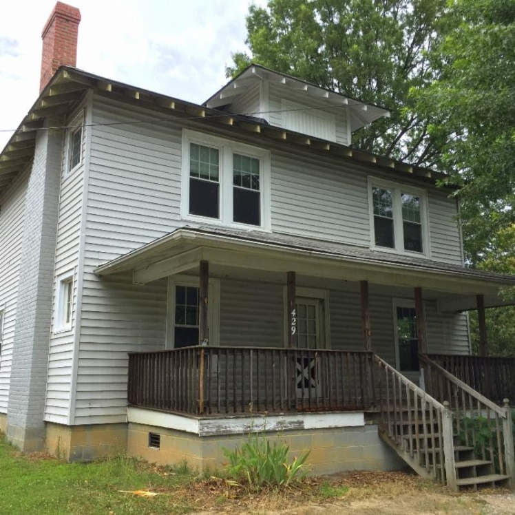 Want An Old House To Go A 1929 Cedar Street Foursquare Needs To Be