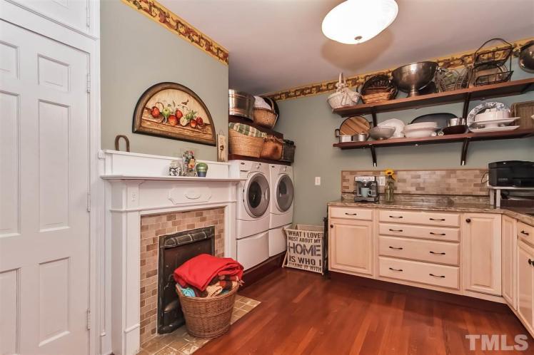 kivette house pantry 2